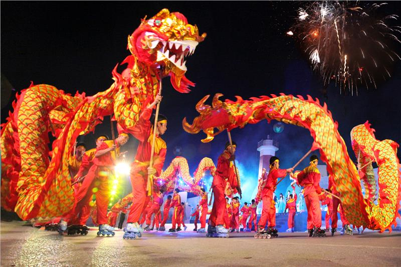 Performance in Halong Carnival 2012