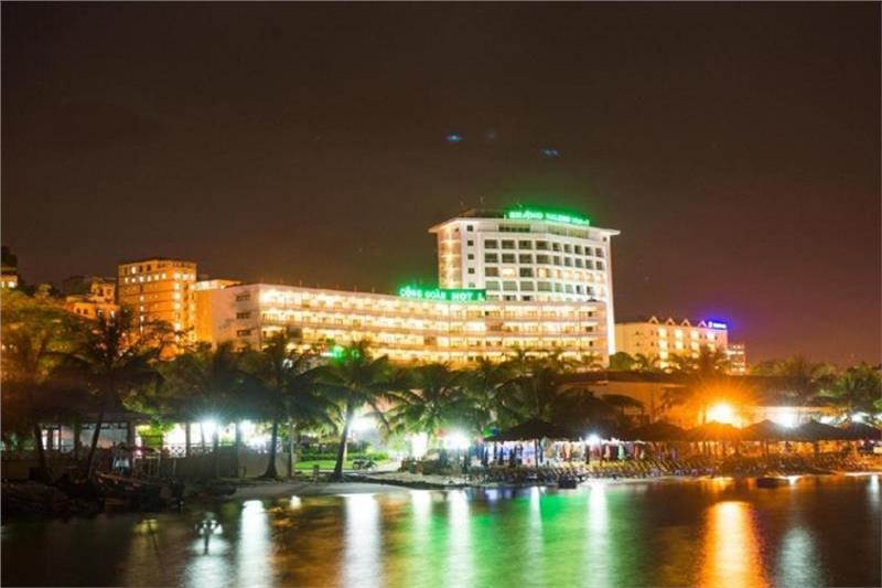 Grand Halong Hotel