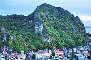 Bai Tho Mountain - Poem Mountain