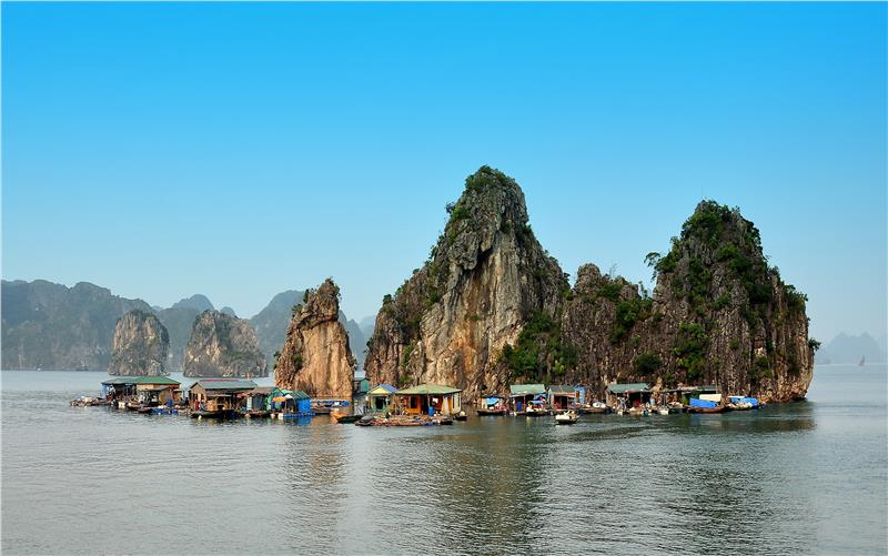 Cua Van Floating Fishing Village in Halong Bay