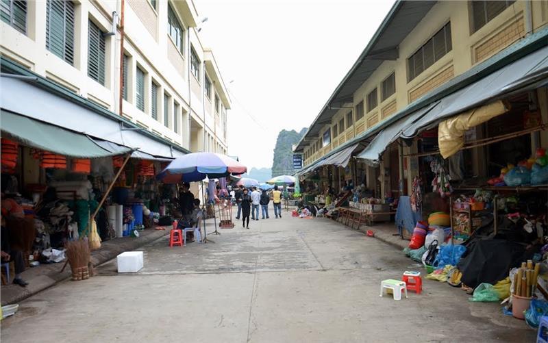 Inside Halong Market