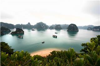 Halong geography