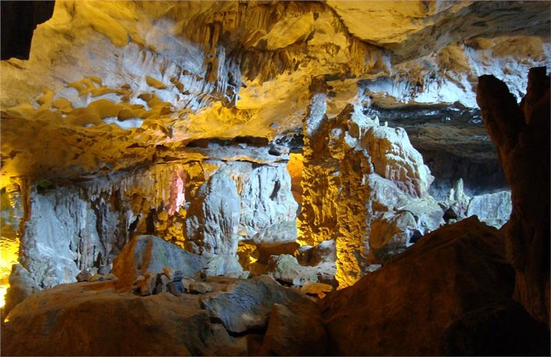 Sung Sot Cave - Surprising Cave