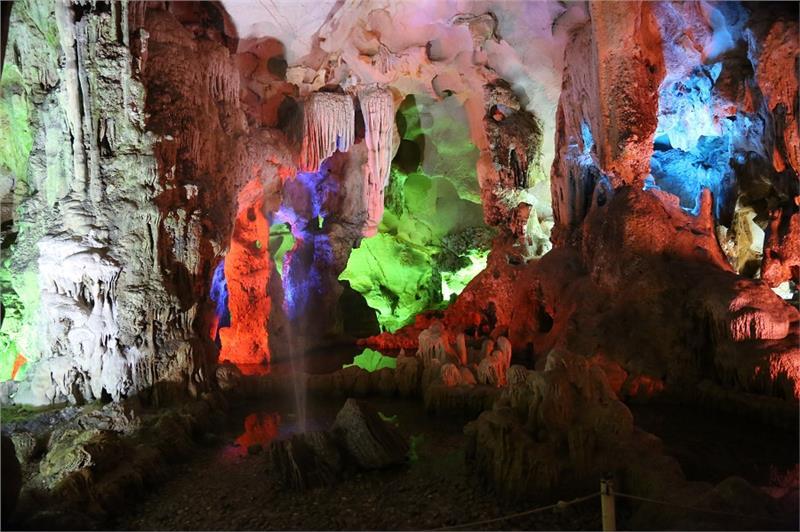 Thien Cung Cave - Heaven Cave
