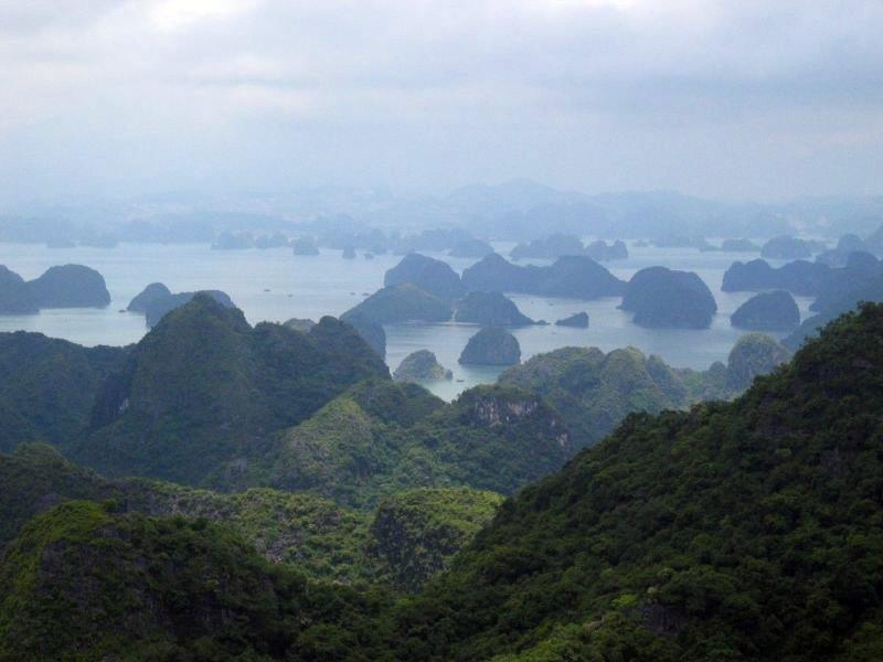 Halong Bay entered top 8 green places and national parks in Asia