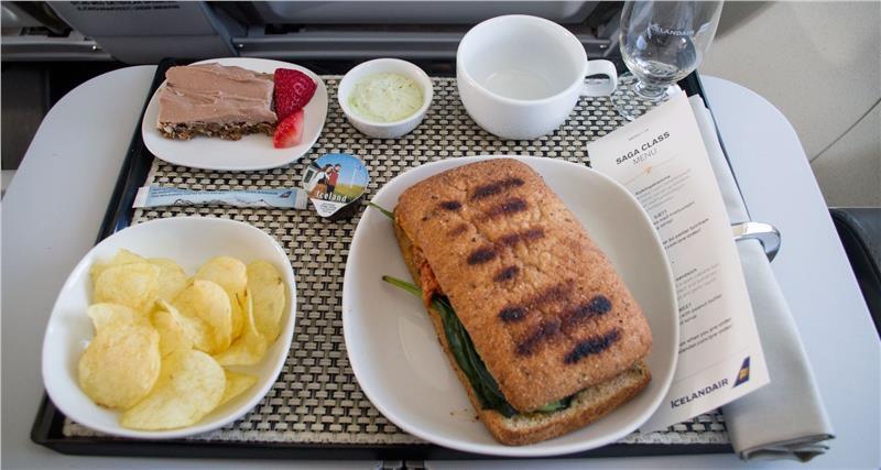 Một suất ăn trên máy bay của hãng hàng không