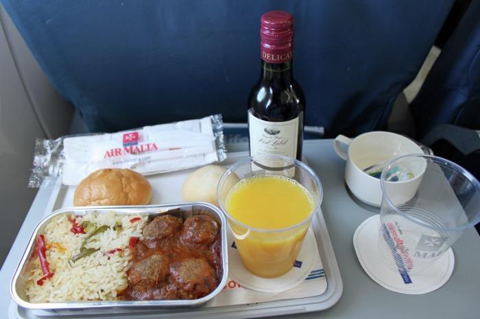 Một suất ăn của hãng hàng không Air Malta