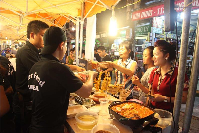 Hanoi opening Hang Buom Food Street