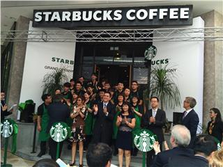 Starbucks Vietnam opens three stores in Hanoi
