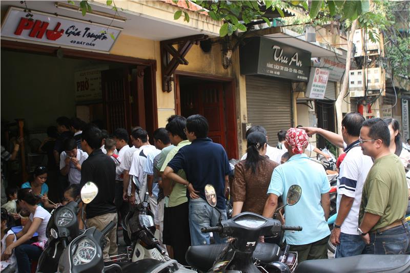 Queuing at Pho Bat Dan Restaurant