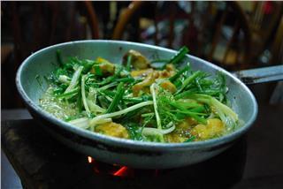 La Vong grilled fish pies – pride of Hanoi cuisine
