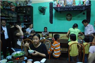 Hanoi cuisine in old space