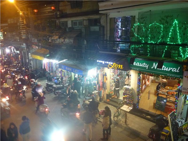 Dinh Liet Street at night