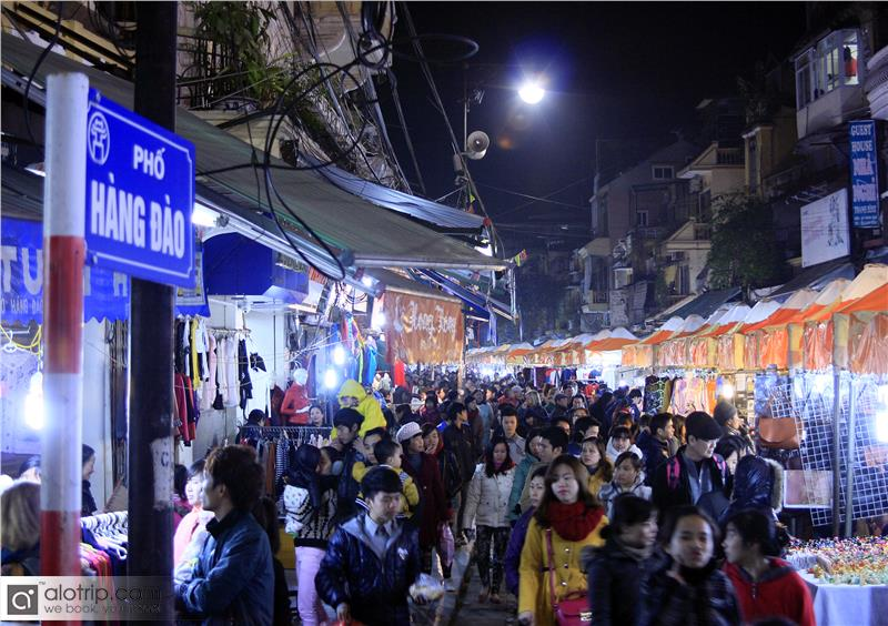 Night Market in Hang Dao