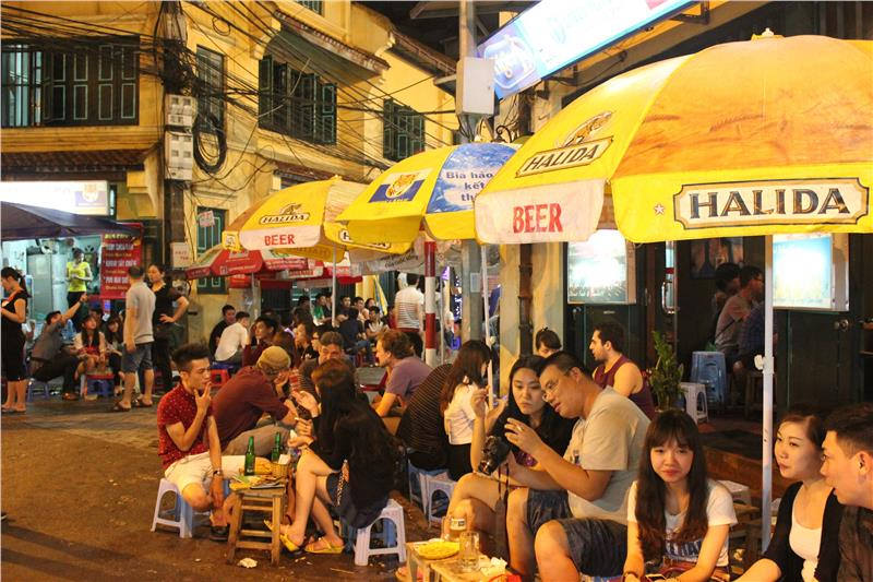 Ta Hien Beer Street in Hanoi Old Quarter