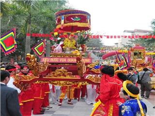 Thousands of people took part in Dong Da Festival