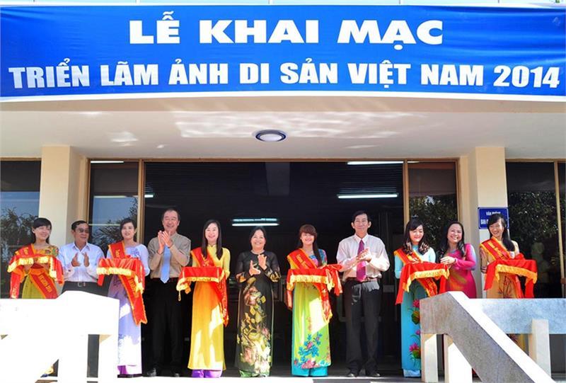 Opening: Photo Exhibition of Vietnam Heritage Journey 2014