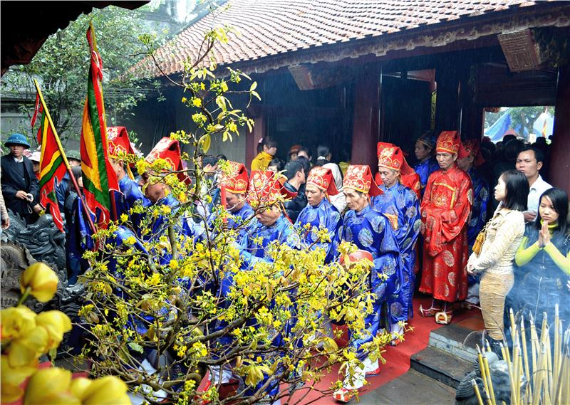 Worshipping Trung Sisters
