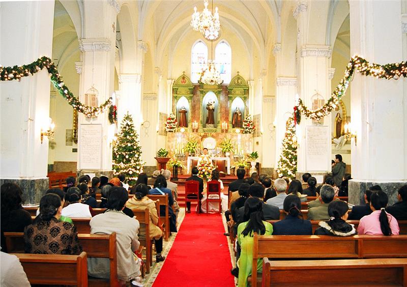A wedding in Ham Long Church