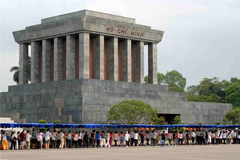 Tourists queue to visit Ho Chi Minh Mausoleum