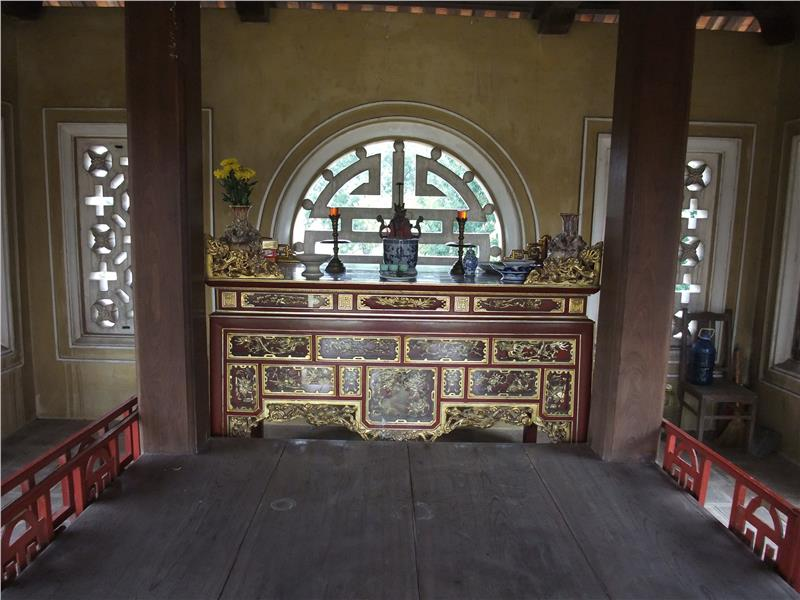 Inside Imperial Citadel of Thang Long