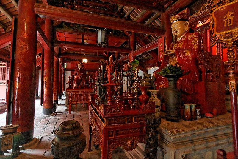 Altars to Confucius and his disciples