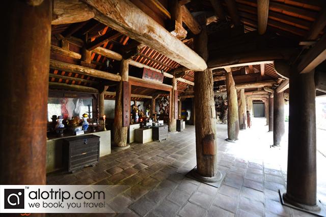 Mia Pagoda in Duong Lam Village