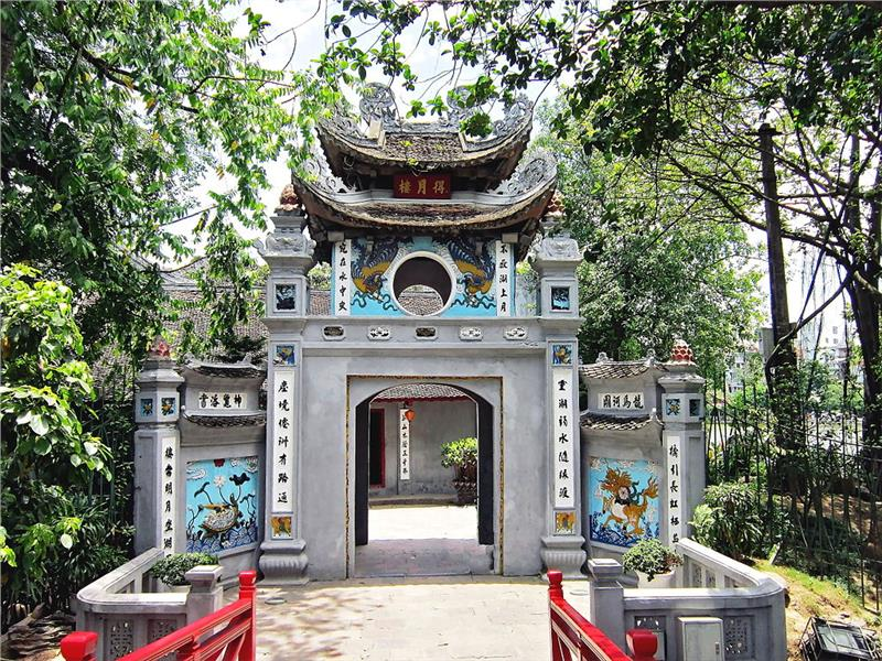 Ngoc Son Temple Entrance
