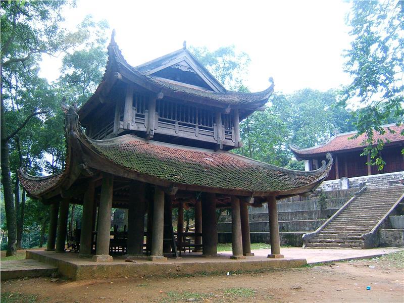 Inside Tram Gian Pagoda