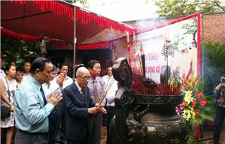 Van Phuc Silk Village Culture and Tourism Week 2014