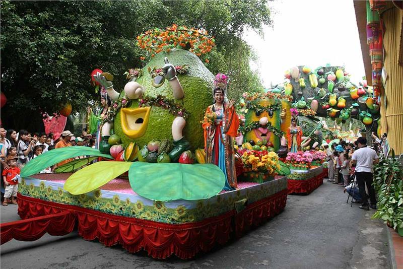 Southern Fruit Festival in Suoi Tien Cultural Park