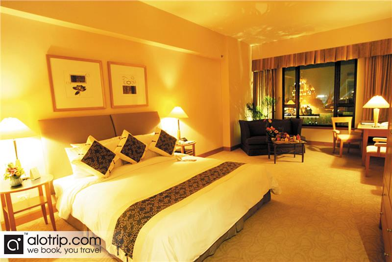 Deluxe Room At Hotel Equatorial