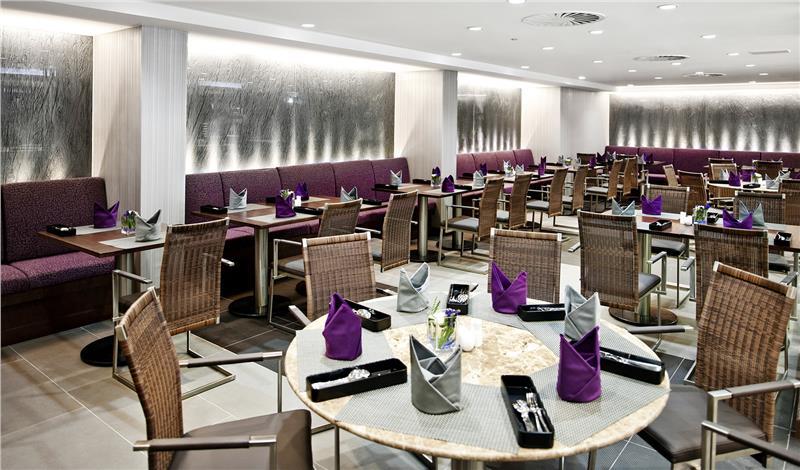 Eastin Grand Hotel Saigon - Cafe Saigon