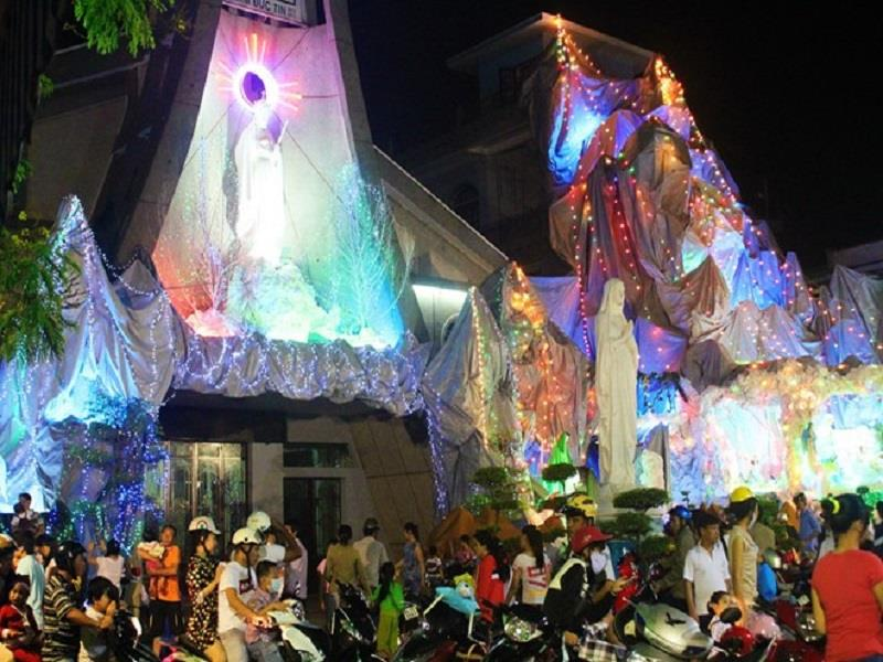 A catholicity in Saigon at Christmas