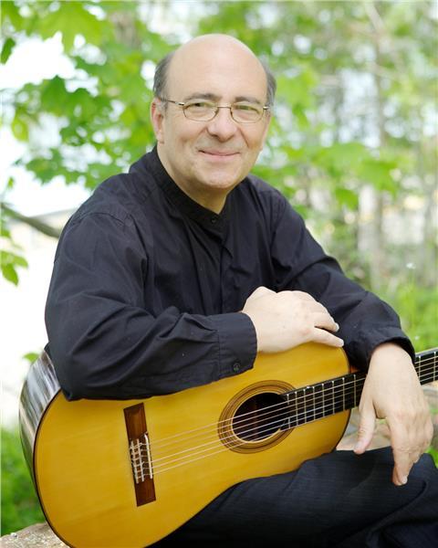 Harris Becker joins in Saigon International Guitar Festival
