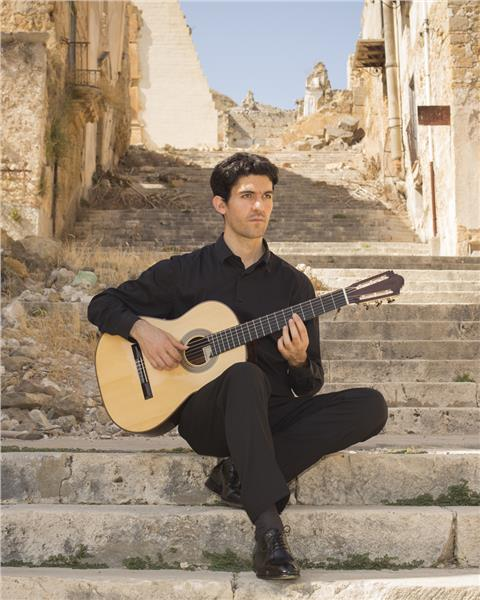 Salvatore Foderà joins in Saigon International Guitar Festival