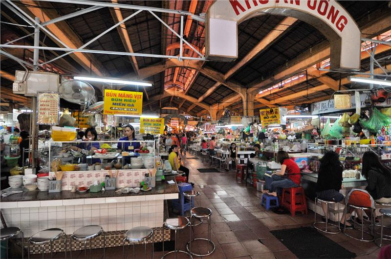 Food stalls in Ben Thanh Market
