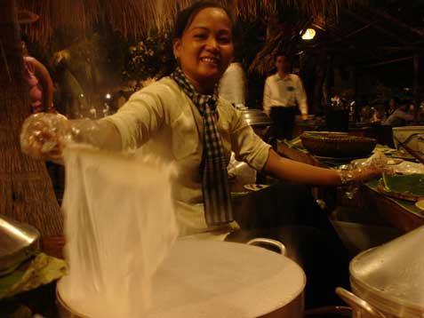 Binh Quoi Village - Stuffed pancake uncovered