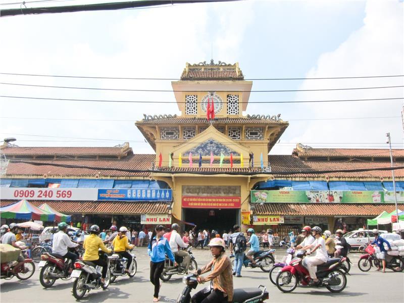 Binh Tay Market - Gate