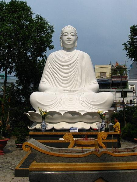Buddha statue inside Giac Lam Pagoda