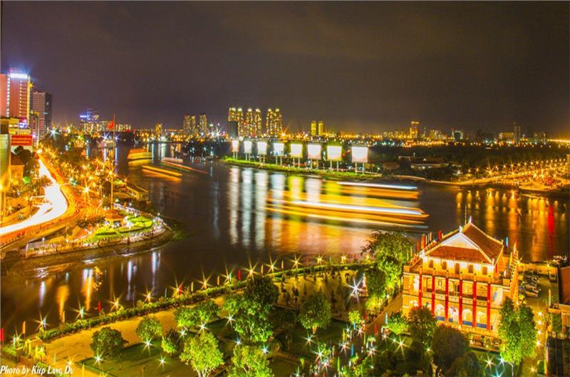 Nha Rong Wharf at night