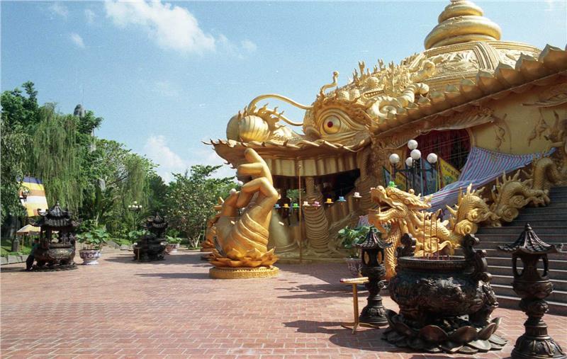 Suoi Tien Amusement Park - Ho Chi Minh City