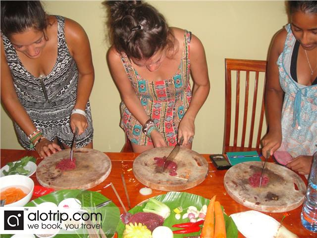 Practising the dishes in Hoi An Cooking Class