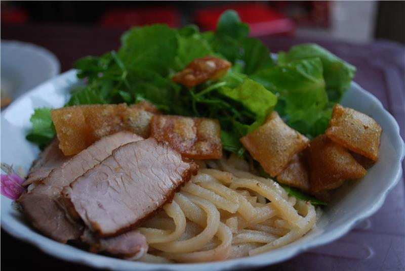 Cao Lau Hoi An - one of Vietnam's greatest dishes