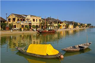 Book cheap flights to Hoi An - enjoy summer promotions