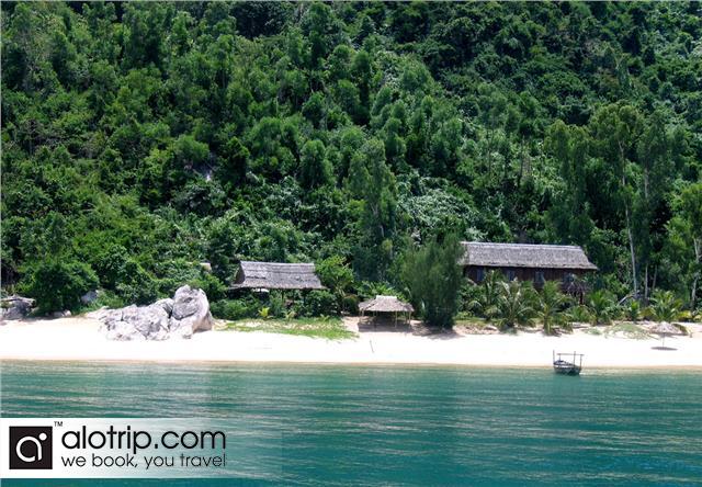 beach in Cu Lao Cham island