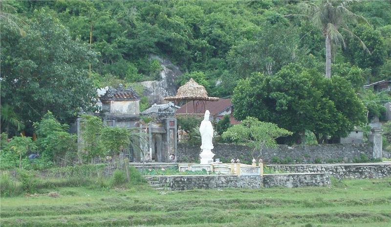 Hai Tang pagoda in Cu Lao Cham