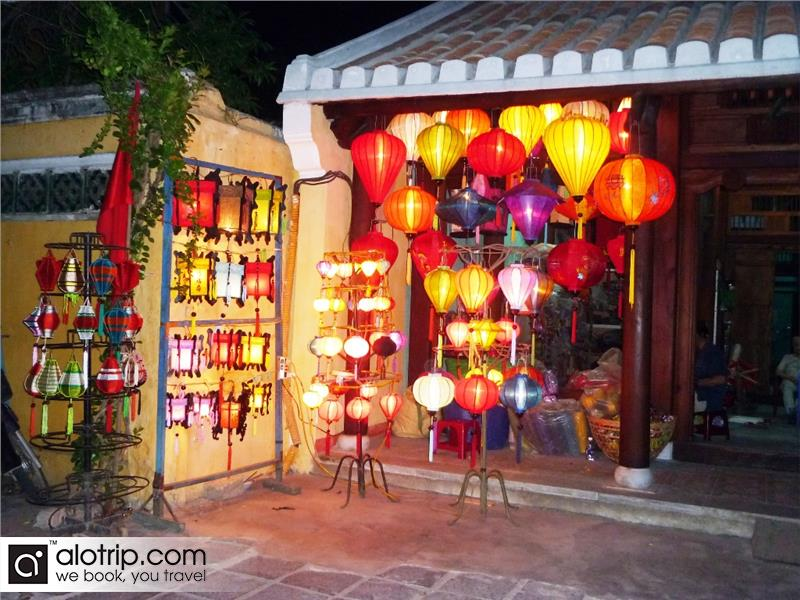 lanterns in Hoi An handicraft center