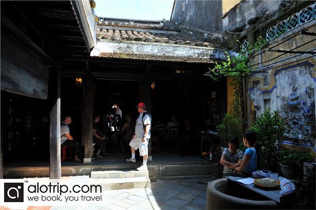 Tan Ky old house inside
