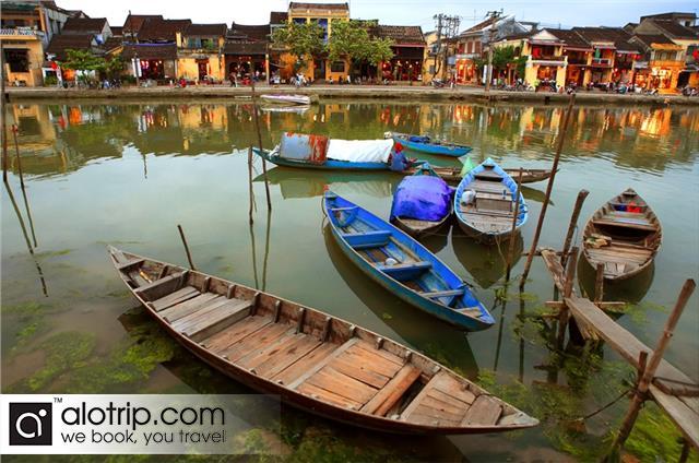 Thu Bon River in Hoi An Town